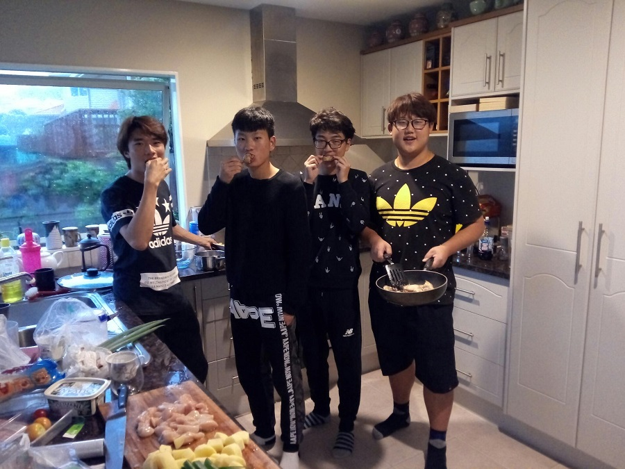 boys cooking